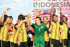 malaysia juara bola sepak sukan sea 2011 300x201 Perlawanan Kelayakan Olimpik 2011   Malaysia Lawan Syria